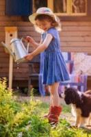 Girl Garden E17e0609482f2270d48a0ff04a8f239a